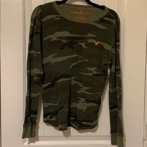 American Eagle Outfitters Camouflage Thermal